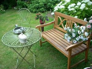 jardin-romantique-mobilier