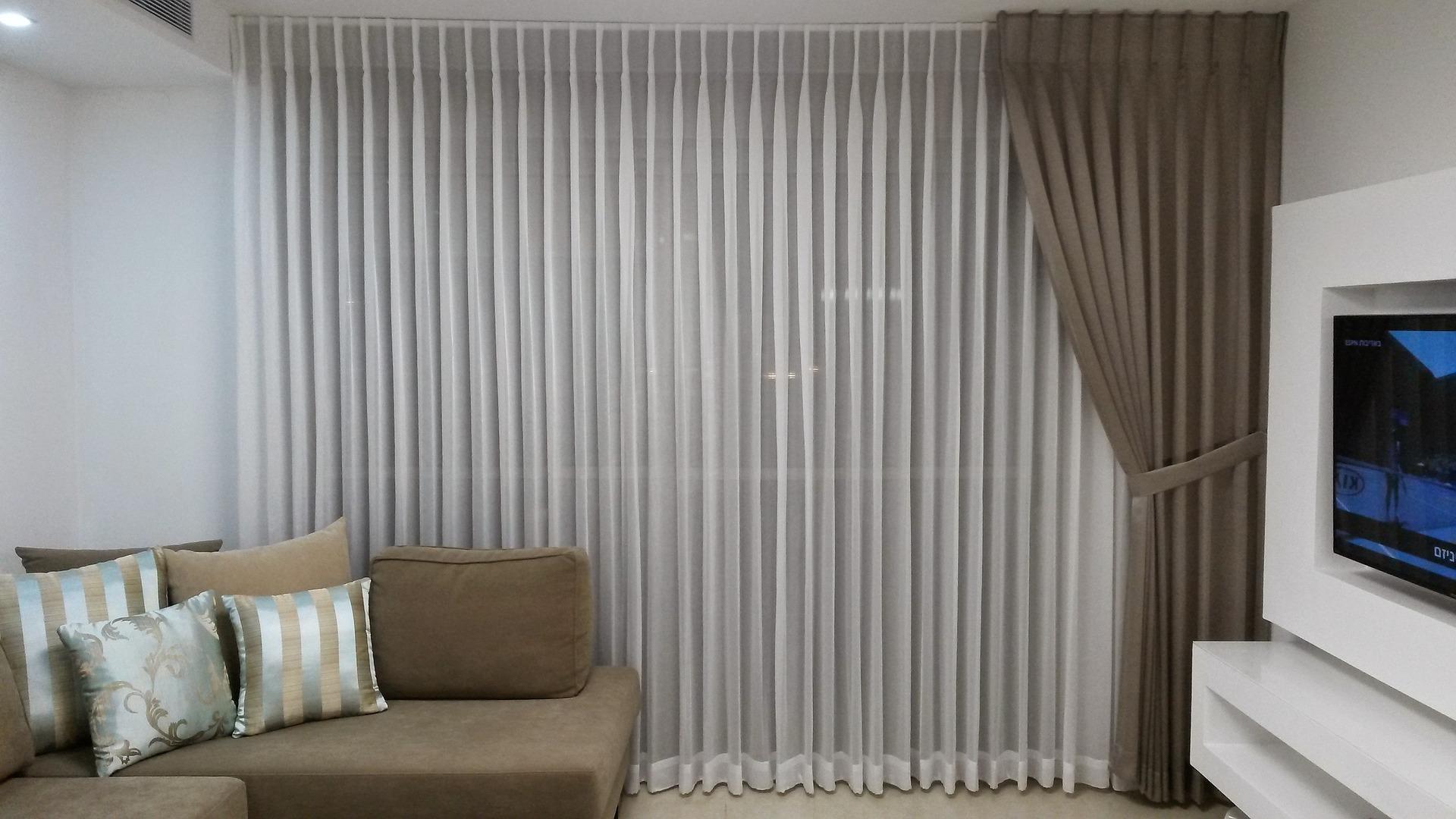 Choisir vos rideaux selon vos fen tres conseil decoration for Porte rideau salon