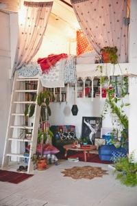 mezzzanine guirlandes et rideaux
