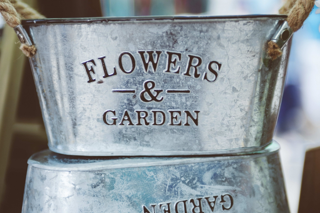Pots de fleurs en fer décoration