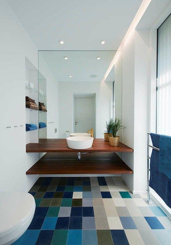 Association de matières, de couleurs, ambiance minimaliste signent également la décoration contemporaine
